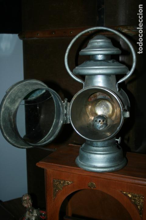 Antigüedades: Farol Auteroche Paris, reflex. cristal verde y blanco-está rajado.modelo 20. mide 32 x 18 cms. - Foto 13 - 134013686