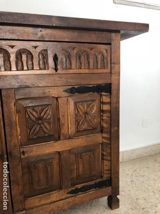 Antigüedades: CONSOLA APARADOR CAJONES Y PUERTAS MADERA TALLADA - Foto 4 - 134031586