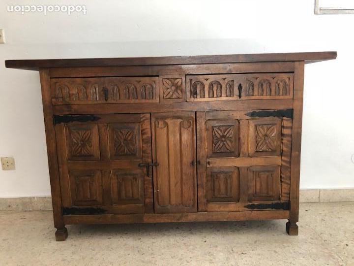 CONSOLA APARADOR CAJONES Y PUERTAS MADERA TALLADA (Antigüedades - Muebles Antiguos - Consolas Antiguas)