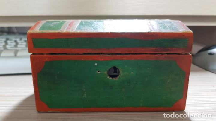 BAUL ANTIGUO EN MINIATURA (Antigüedades - Muebles Antiguos - Baúles Antiguos)
