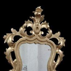 Antigüedades: ANTIGUO ESPEJO, CORNUCOPIA DE MADERA DE PINO DORADA. SIGLO XIX. MOTIVOS VEGETALES. 77X44 CM.. Lote 134091802