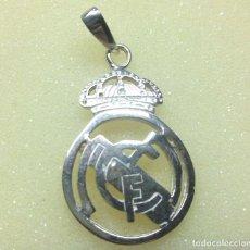 Antigüedades: COLGANTE DE PLATA DEL REAL MADRID. Lote 134108346