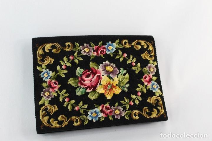 Antigüedades: Bolso de mano Vintage mediados s XX con bordado manual de Petit Point - Foto 5 - 134182062