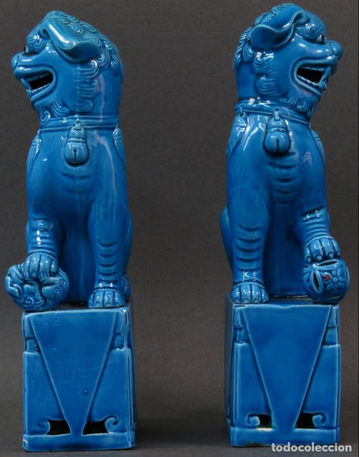 Antigüedades: Pareja Furias Foo cerámica vidriada azul China siglo XX - Foto 3 - 134302802