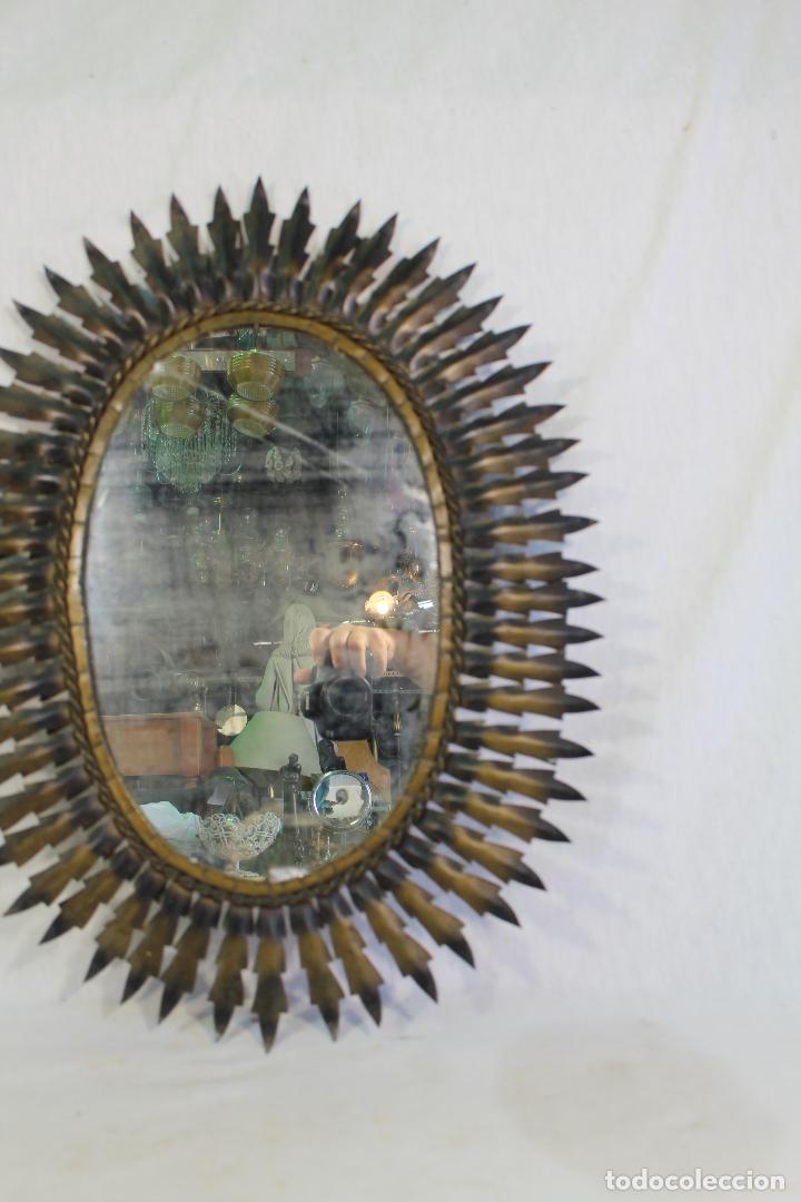 Antigüedades: espejo de sol ovalado en metal dorado - Foto 6 - 134357986
