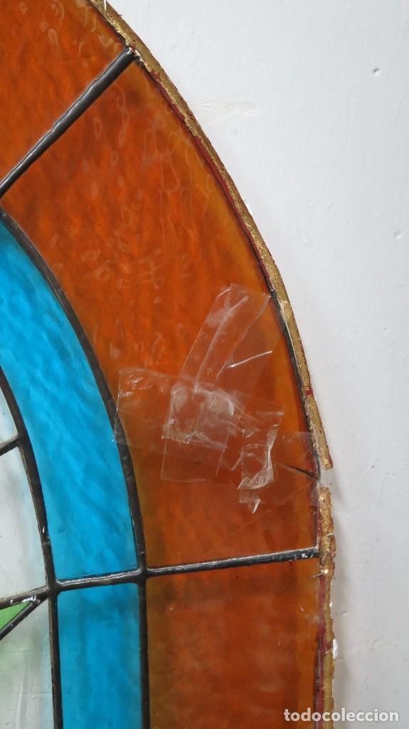 Antigüedades: VIDRIERA EMPLOMADA CON DECORACION FLORAL. SEGUNDA MITAD SIGLO XX - Foto 4 - 134379986