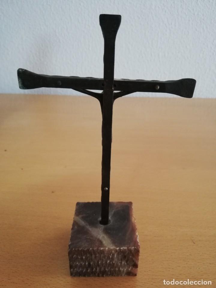 Antigüedades: Antiguo crucifijo de mesa de altar semana santa corpus - Foto 2 - 134391746