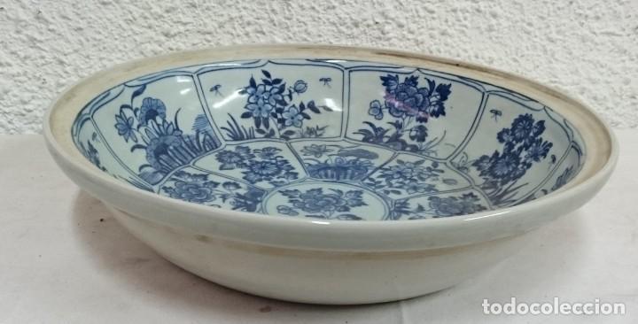 Antigüedades: Antiguo plato chino de porcelana azul. Siglo XVIII. - Foto 3 - 134393666