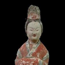 Antigüedades: ANTIGUA ESCULTURA DE TERRACOTA POLICROMADA CHINA. SIGLO XVIII.. Lote 134393790