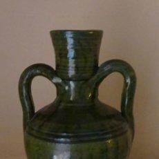Antigüedades: PEQUEÑO CÁNTARO COLOR VERDOSO. ALTURA 18 CM. Lote 134398238