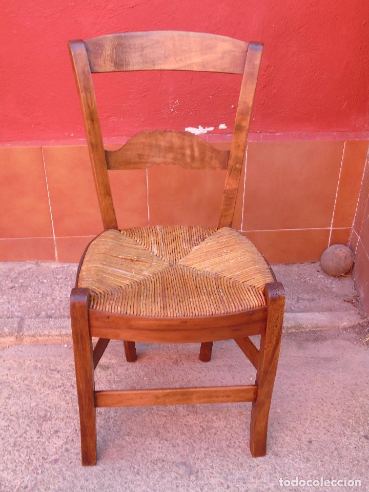 Antigüedades: ANTIGUA PAREJA DE SILLAS DE MADERA DE HAYA Y ASIENTO DE ENEA. RESTAURADAS. - Foto 8 - 134420582