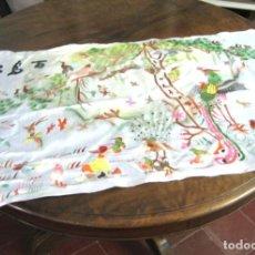 Antigüedades: 120 CM - GRAN SEDA CHINA BORDADOS - MULTITUD DE AVES. Lote 134518490