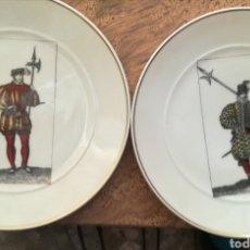 Antigüedades: PLATOS ALABARDEROS BIDASOA. CINCO PLATOS DE 19 CMS DE DIÁMETRO. Lote 134526634