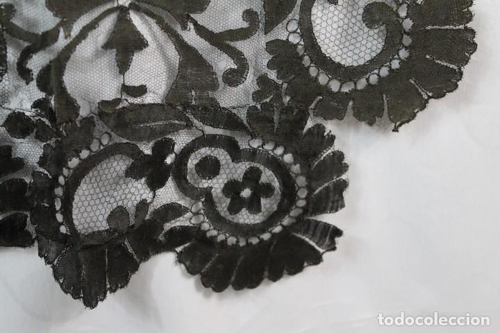 Antigüedades: 53 Mantilla española bordada a mano s XIX - Foto 6 - 134738310