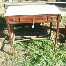 Antigüedades: MESILLA ESCRITORIO CON MARMOL. Lote 134743390