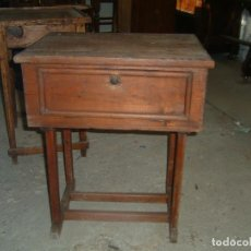 Antigüedades: COSTURERO RUSTICO. Lote 134746642