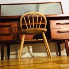 Antigüedades - Mesa aparador, escritorio o tocador de G plan de diseño - 134805310