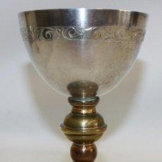 Antigüedades: CALIZ DE PLATA DORADA Y METAL CON PEDRERIA,OBSEQUIO AL(SANTUARI DE LA MARE DE DEU DEL MONT).. Lote 134821710