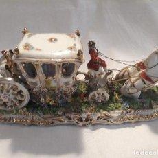 Antigüedades: PRECIOSA PORCELANA FABRIS ITALY CARRUAJE AÑOS 50 60S. Lote 134854506