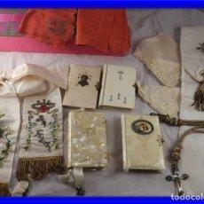 Antigüedades: MISALES PAÑUELOS CRUZ Y DIFERENTES OBJETOS DE COMUNION. Lote 134933642