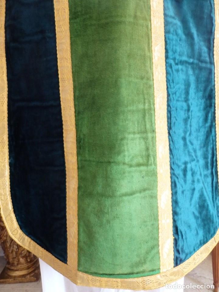 Antigüedades: Casulla con sus complementos a juego en terciopelo. Hacia 1900. - Foto 12 - 134953194