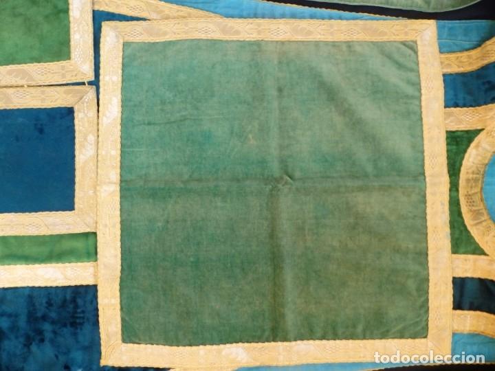 Antigüedades: Casulla con sus complementos a juego en terciopelo. Hacia 1900. - Foto 21 - 134953194