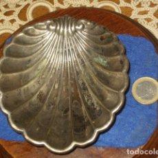 Antigüedades: ANTIGUA CONCHA O ALMEJA BAUTISMAL,AGUA DE BAUTIZO.. Lote 134956362