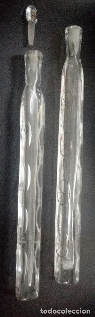 Antigüedades: 2 frascos perfumeros l siglo XVIII XIX, en cristal de La Graja tallados y dorados. - Foto 2 - 134982970