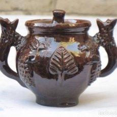Antigüedades: TAZA 1 EN CERAMICA VIDRIADA CON DECORACION EN RELIEVE - EXTINTO ALFAR DE CASATEJADA ( CACERES ). Lote 135055462