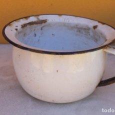 Antigüedades: ORINAL ANTIGUO DE METAL ESMALTADO. Lote 194216810
