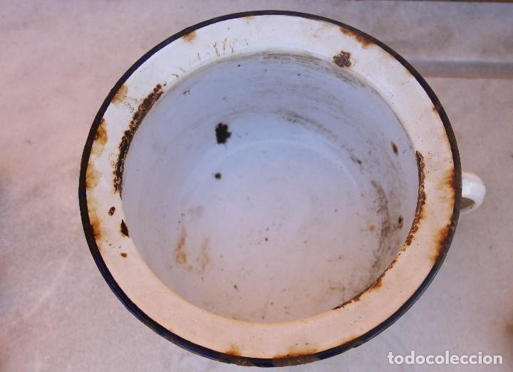 Antigüedades: Orinal antiguo de metal esmaltado - Foto 2 - 194216810