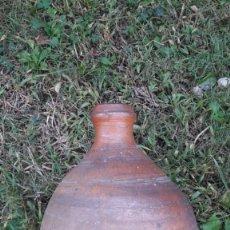 Oggetti Antichi: ALFARERIA CATALANA BEBEDERO BOMBA. Lote 135124526