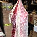 Antigüedades: GRAN MANTILLA SEMICIRCULAR. ENCAJE MECÁNICO. VISCOSA. ESPAÑA. SIGLO XIX-XX. Lote 135125594