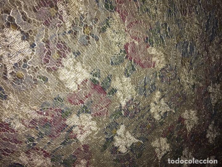 Antigüedades: GRAN MANTILLA SEMICIRCULAR. ENCAJE MECÁNICO. VISCOSA. ESPAÑA. SIGLO XIX-XX - Foto 15 - 135125594