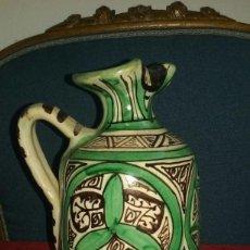 Antigüedades: JARRA CERÁMICA DE TERUEL. DOMINGO PUNTER. ALT 23 CM X 14,5 CM.. Lote 135130050