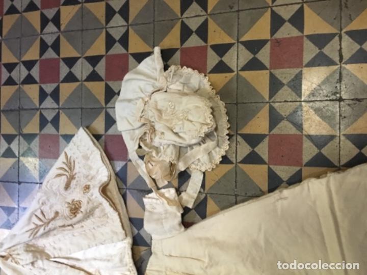 Antigüedades: Antiguo vestido de bautizo principio de S. XX bordado a mano 3 piezas vestido , capa , gorra . - Foto 6 - 135136122