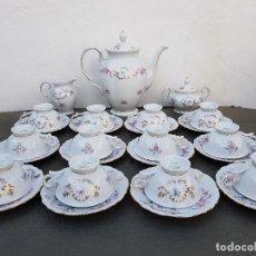 Antigüedades: JUEGO ANTIGUO DE CAFE EN PORCELANA DE BAVARIA SELLADO. Lote 135156374