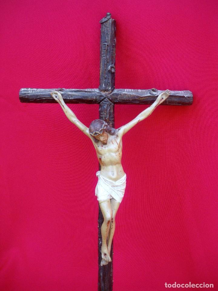 Antigüedades: Crucifijo de olot policromado. - Foto 5 - 135194434