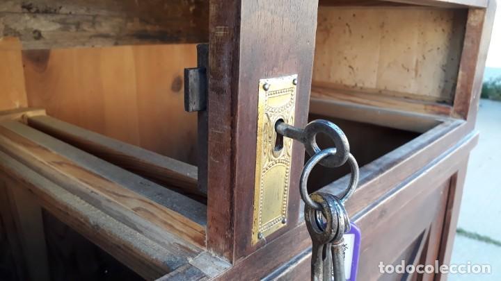 Antigüedades: Vitrina antigua estilo modernista art decó mueble auxiliar aparador chinero antiguo, alacena vintage - Foto 16 - 135210714