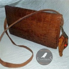 Antigüedades: EXCLUSIVO BOLSO PIEL COCODRILO Y CABEZA AUTENTICOS, ORIGINAL VINTAGE TAXIDERMIA ANTIGUO MED. S XX. Lote 103039795