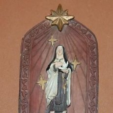 Antigüedades: BENDITERA DE RESINA SANTA TERESA DE JESUS. Lote 135258218