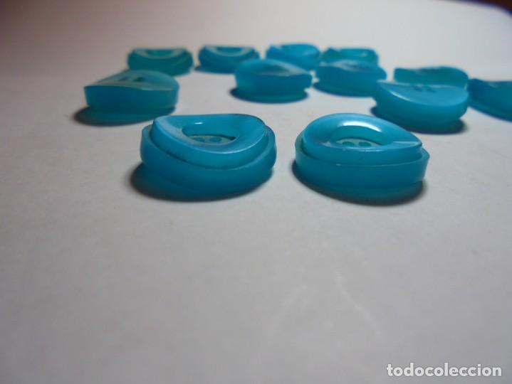 Antigüedades: magnificos 12 botones antiguos vintage años 50-60 azul turquesa avalados - Foto 4 - 135287030