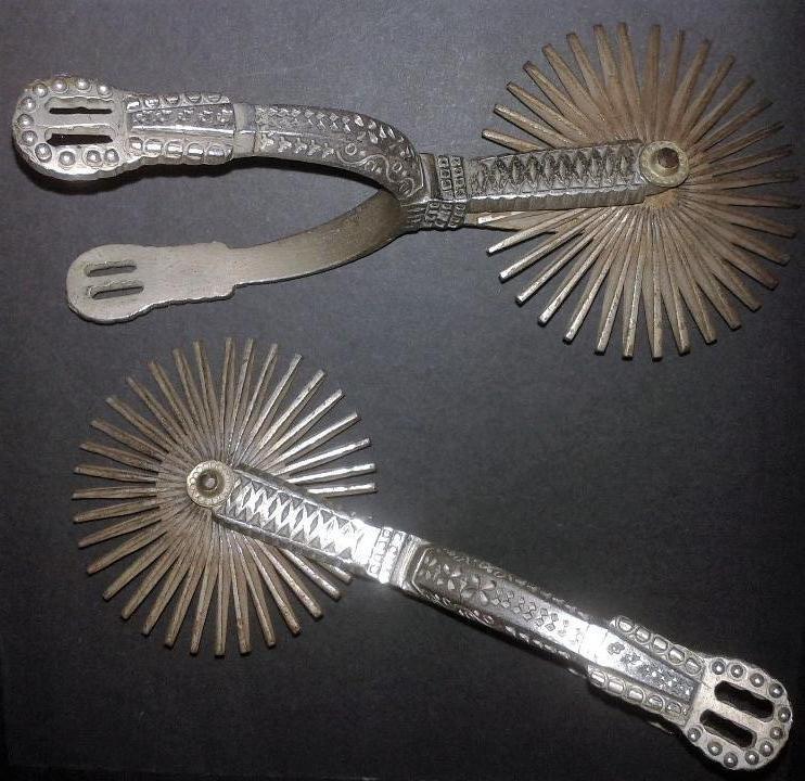 Antigüedades: Pareja de espuelas de gala, América del sur, chilenas, Chile en metal y plata. Antiguas s XX - Foto 7 - 97849691