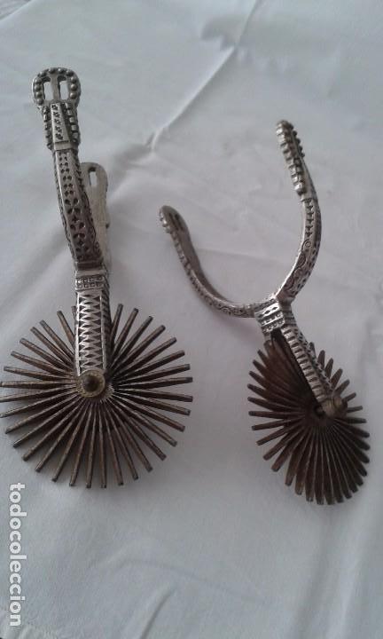 Antigüedades: Pareja de espuelas de gala, América del sur, chilenas, Chile en metal y plata. Antiguas s XX - Foto 2 - 97849691