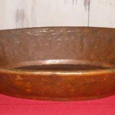 Antigüedades: BANDEJA DE COBRE. Lote 135328890