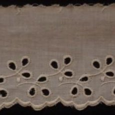 Antigüedades: ANTIGUO BAJO DE BATISTA BORDADA - MEDIADOS S.XX. Lote 135331530
