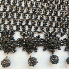 Antiquitäten - ANTIGUA PIEZA BORDADA CON AZABACHES - S. XIX - 135334202
