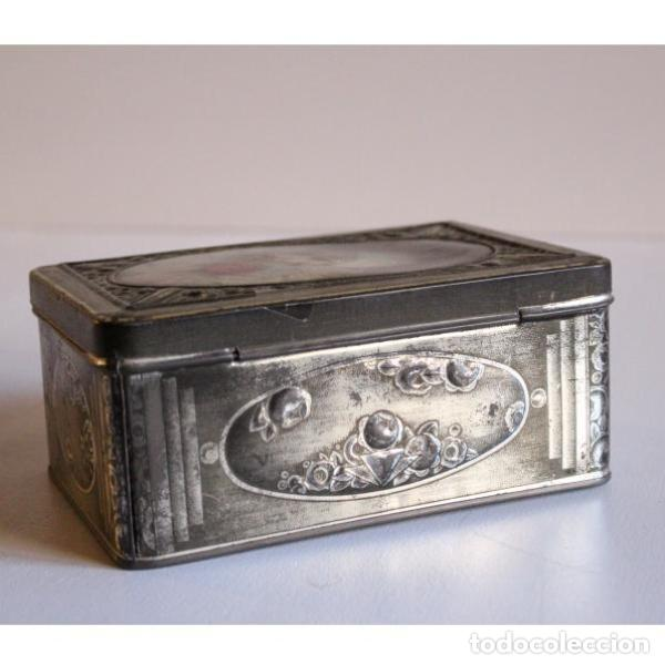Antigüedades: Antigua caja de hojalata - Foto 3 - 135335330