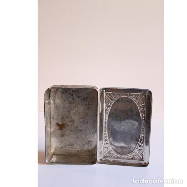 Antigüedades: Antigua caja de hojalata - Foto 4 - 135335330