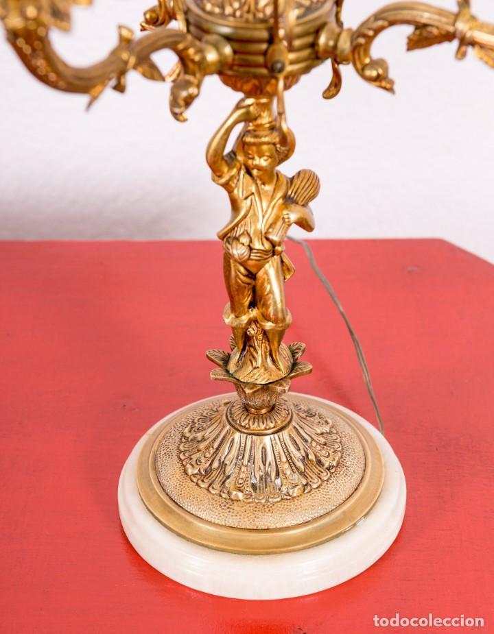 Antigüedades: Pareja De Candelabros Antiguos De Bronce - Foto 3 - 135352670